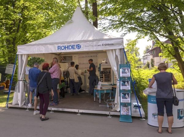 Töpfermarkt in Diessen - das europäische Töpferhandwerk schaut zum Ammersee